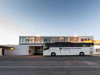 Flughafen-Transfer zwischen Keflavík & Hotels in Reykjavík