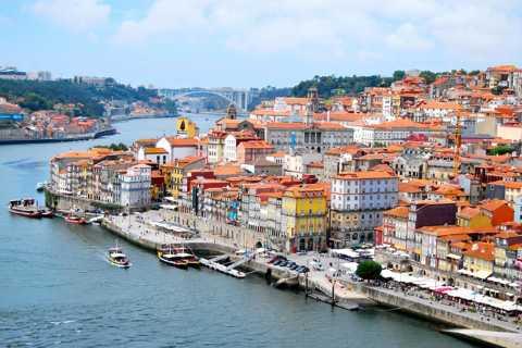 Scopri il tour di Porto con crociera sul fiume e pranzo tradizionale