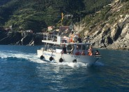 Cinque Terre: Bootstour mit Appetizer und Mittagessen