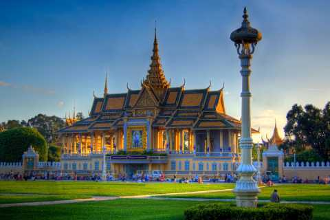 Phnom Penh Small Group City Tour