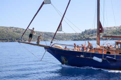 De Corfu: cruzeiro de barco de dia inteiro com almoço