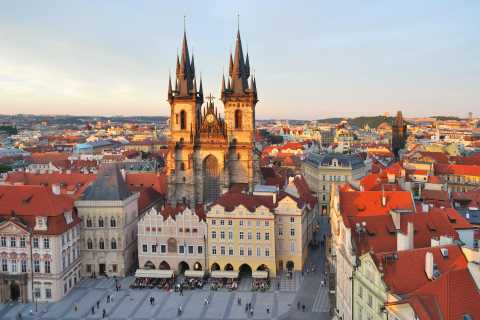 From Wroclaw: Private Tour of Prague with Local Guide