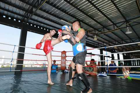 Bangkok: 60-90 Minute Muay Thai Boxing Class for Beginners