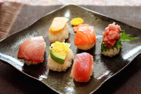 Kyoto: Private Japanese Cooking Lesson and Lunch