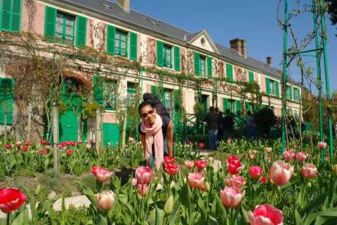Giverny & Monet's Garden by Train
