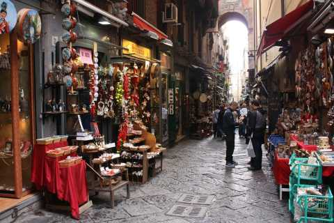 Naples: 2-Hour Walking Tour w/ Food Tasting Experience