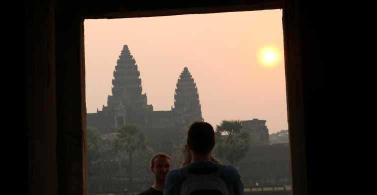 Angkor Wat: Private 2-Day Temples Tour with Sunset & Sunrise
