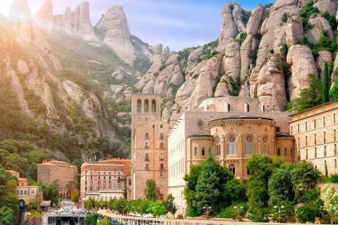 Desde Barcelona: monasterio de Montserrat y senderismo