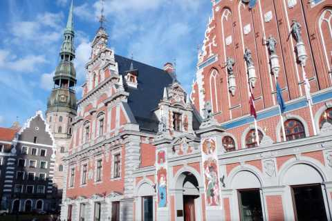 Riga: 3-Hour Private Sightseeing Excursion by Car and Foot