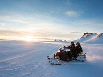 Ab Reykjavik: Golden Circle und Gletscher Schneemobiltour