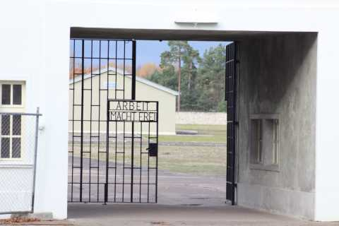 Ab Berlin: Führung in der KZ-Gedenkstätte Sachsenhausen