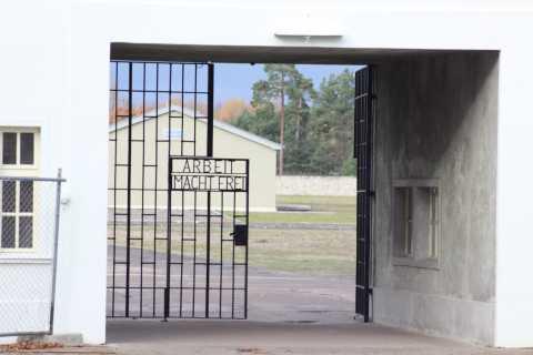 Monumento commemorativo di Sachsenhausen: tour da Berlino