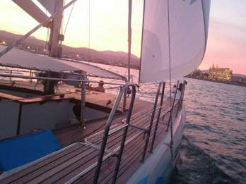 Ab Palma de Mallorca: Katamaran-Fahrt bei Sonnenuntergang
