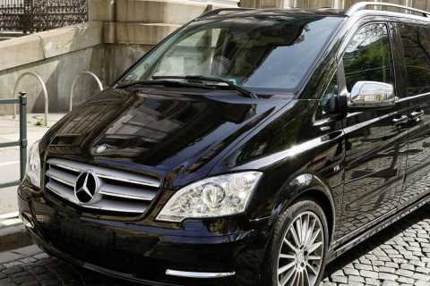 Izmir: Private Airport Transfer