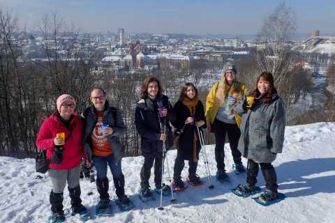 Excursión con raquetas de nieve por las colinas panorámicas de Vilna