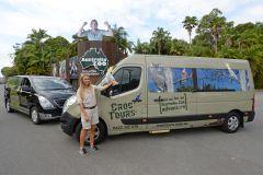 Entrada do Zoo Australia com pequenos grupos de transporte de Brisbane