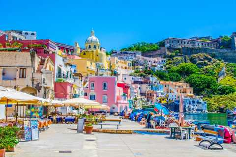 Procida Island Day Trip with Lunch