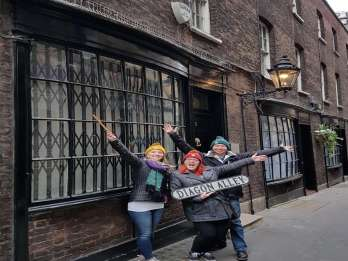 London: Harry Potter-Taxitour mit Hop-on/Hop-off-Bootsfahrt