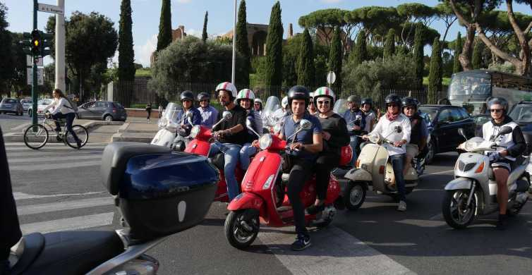 Rome: Vespa-tour met optionele driver