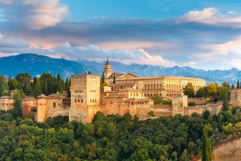 Granada: 3-Hour Fast-Track Alhambra Tour