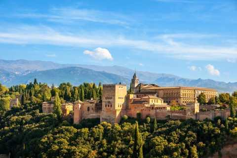 Alhambra: Palace & Generalife Gardens Fast-Track Tour