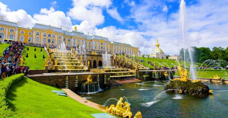 From St Petersburg: Peterhof Palace and Gardens Day Tour