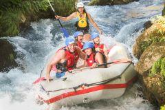 Rafting no Rio Cetina com Opção de Transferência Dividida
