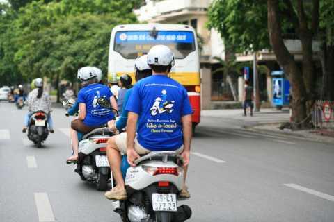 Hanoi Motorbike Night Street Food Tour to Undetected Sites