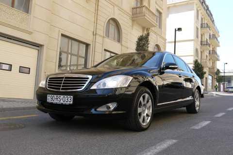 Baku: Luxury Airport Transfer in a Mercedes S Class