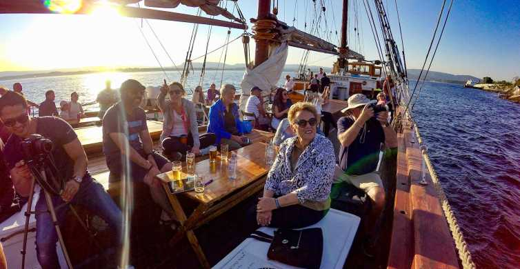 Oslo Walking Tour and Fjord Boat Tour with Norwegian Buffet