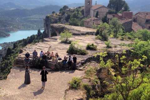 Tarragona: Villages & Lake or Waterfalls Jeep Excursion