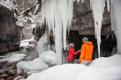 Maligne Canyon Icewalk Discovery Tour