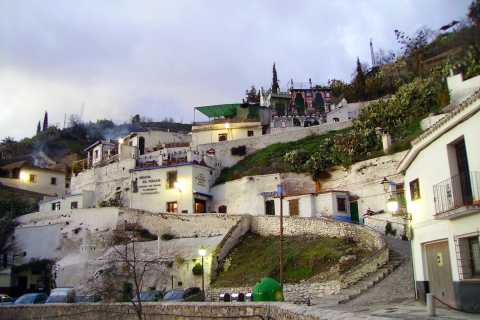 Albaicín and Sacromonte Districts Guided Walking Tour