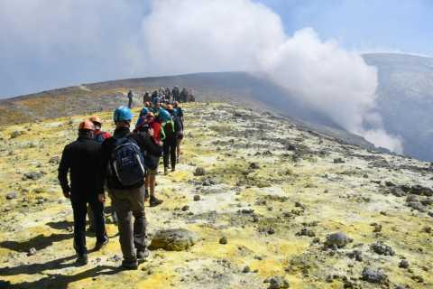 Etna: trekking sulla vetta e sul cratere