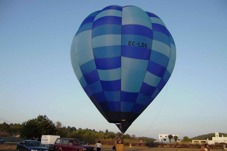 Fahrt im Heißluftballon über Ibiza