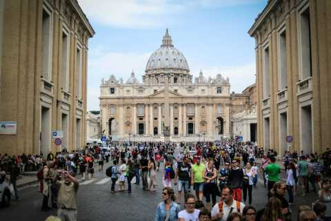 Rome: Vatican Museums and Colosseum Skip-the-Line Tour