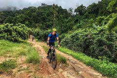 Caminhada de dia inteiro e bicicleta no Parque Nacional Doi Suthep Mountain