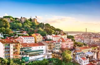 Lissabon: Castelo de São Jorge ohne Anstehen mit Begleitung