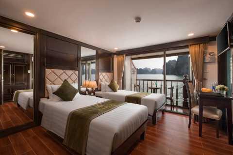 Halong Bay: Luxury 2-Day Cruise and Kayak from Hanoi