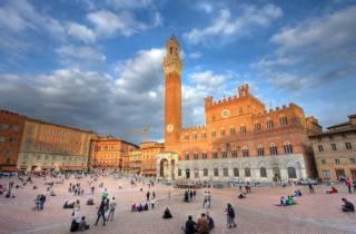 Toskana-Tour ab Rom: Siena und San Gimignano mit Weinprobe