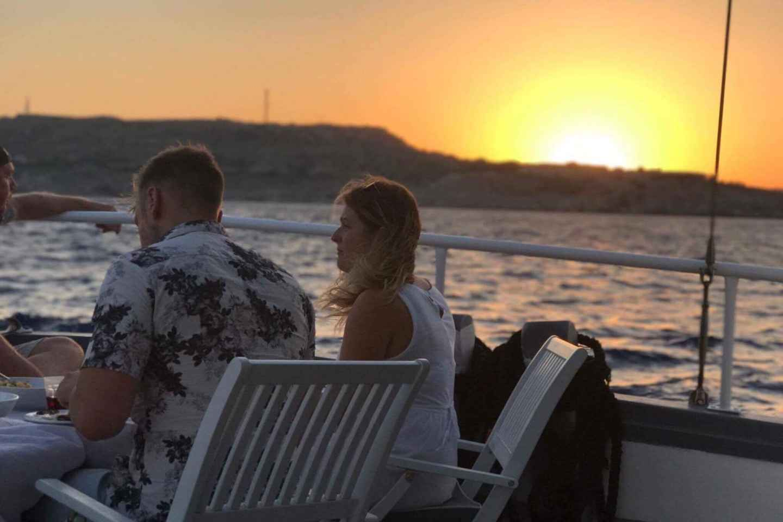 Rhodos: All-Inclusive-Sonnenuntergangsfahrt mit Abendessen