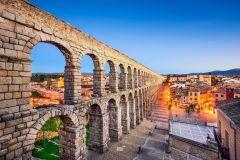 De Madri: Excursão de 1 Dia a Ávila, Segóvia e El Escorial