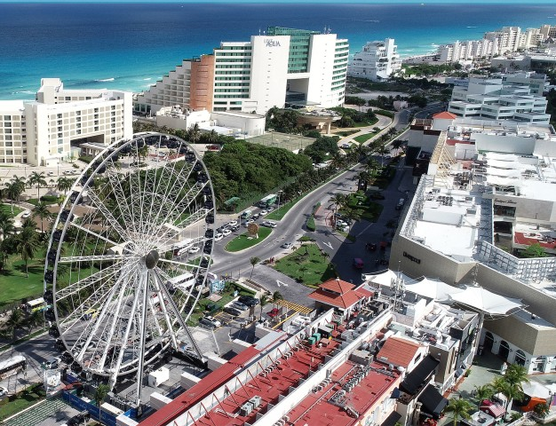 Gran Rueda Cancun: Access to the Observation Wheel