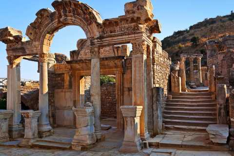 From Kusadasi: Ephesus and Pamukkale 2 Day Private Tour