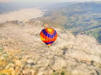Barcelona: Heißluftballonfahrt am Morgen mit Frühstück