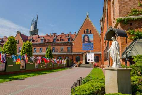 Van Krakow: Wadowice & Sanctuary of Divine Mercy Tour