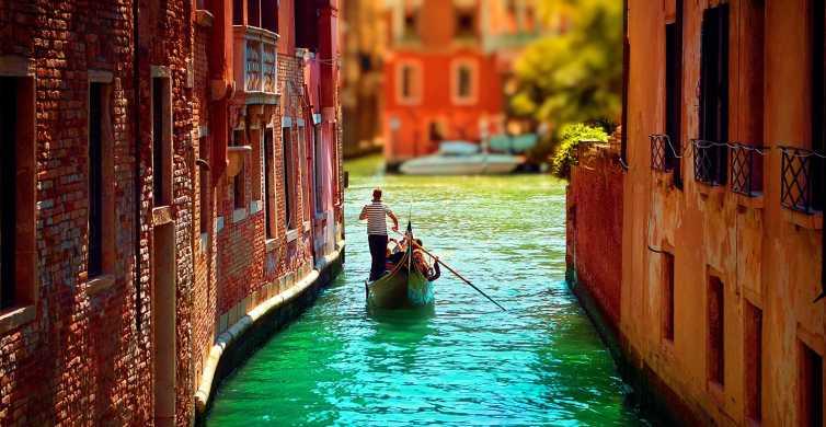 Venedig: Private Gondelfahrt für bis zu 6 Personen