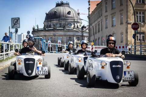 Berlin: Sightseeing Tour in a Mini Hotrod
