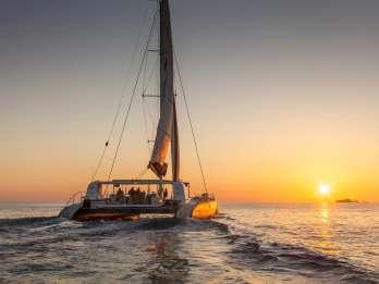 Ab Palma: Katamaran-Tour bei Sonnenuntergang mit Abendessen