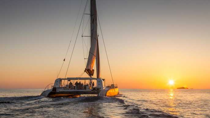 From Palma: Sunset Catamaran Excursion with Dinner